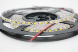 Лента светодиодная узкая 5мм SMD 2835/120диодов/1200Лм/24Вт на метр 4000К